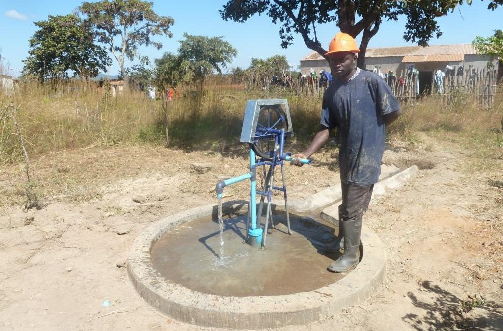 Hand pumps: Rope pump