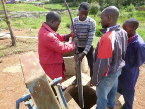 Deepening hand dug well: Well pipe